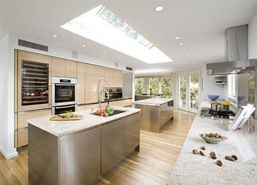 Chiều cao của tủ bếp cũng cần phù hợp với không gian bếp