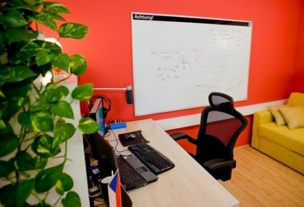 Trang trí văn phòng cá tính như dân IT