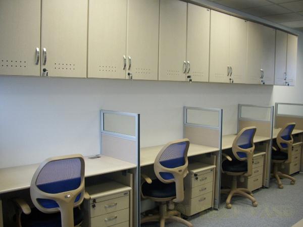 Tủ tài liệu treo giúp văn phòng tận dụng được nhiều diện tích