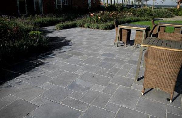 Gạch không nung là vật liệu lát sàn mới với những khác biệt hoàn toàn so với gạch nung