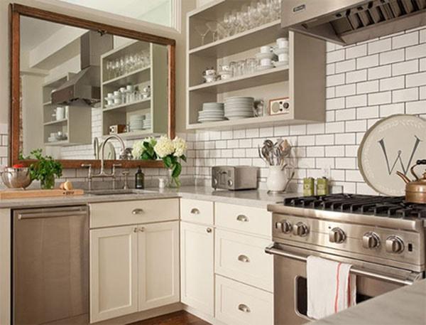 Để gương đối diện với bếp nấu hay để sau lưng: dễ gặp bất hạnh