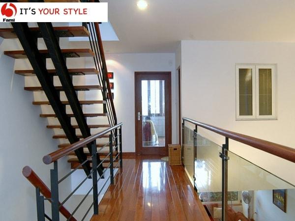 Thiết kế cầu thang theo phương dọc của ngôi nhà
