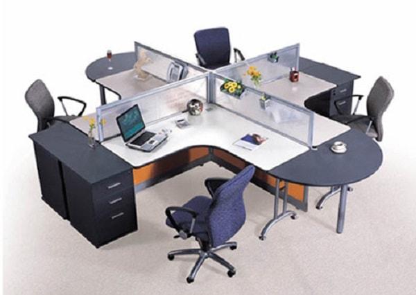 Vách ngăn văn phòng có vai trò quan trọng trong việc tạo sự riêng tư khi làm việc tại văn phòng