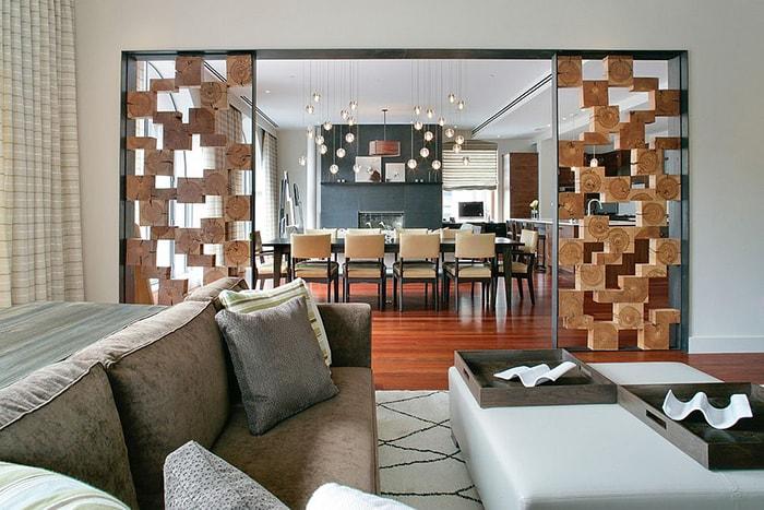 Vách ngăn với các hình khối như hộp gỗ được thiết kế một cách sáng tạo