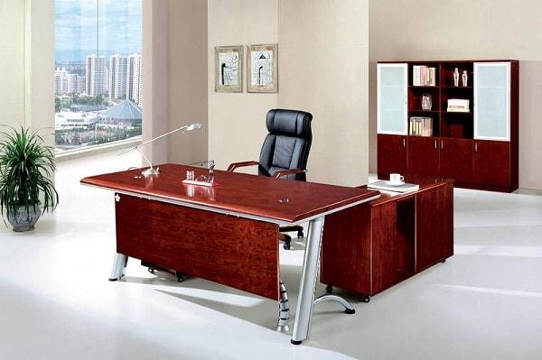Người mệnh Thủy cũng có thể chọn gỗ làm chất liệu cho bàn làm việc